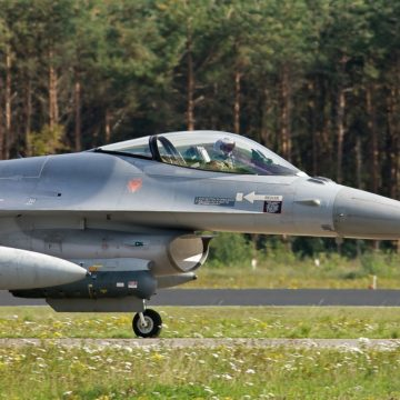 fighter-jet-188775_1280